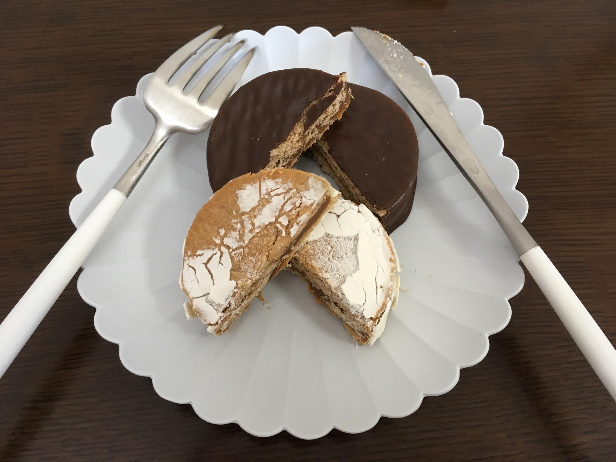 アルゼンチン人が大好きで有名なお菓子「アルファホーレス」 アルゼンチン旅行の際はお土産是非オススメ!