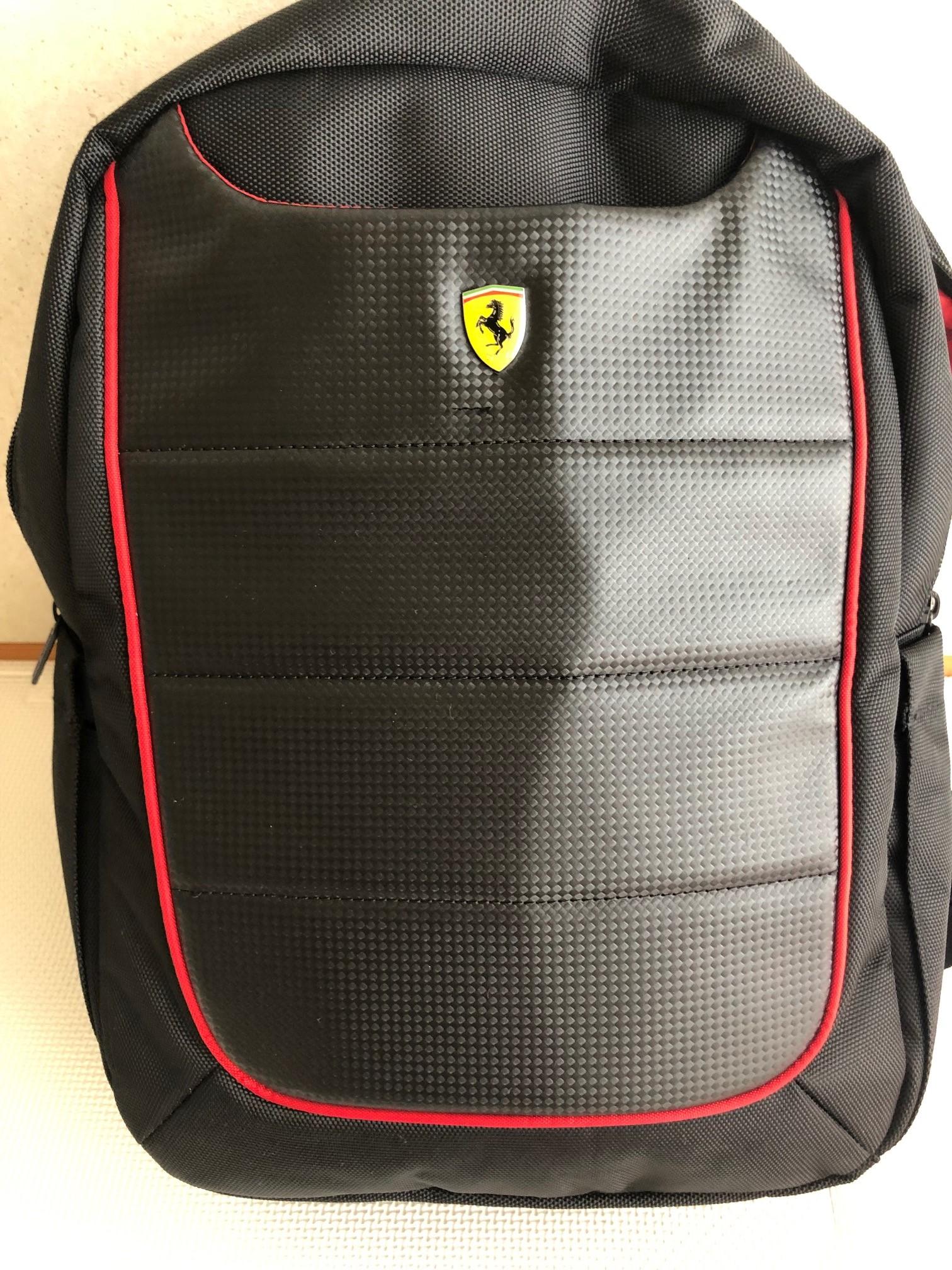 FERRARI フェラーリ 公式ライセンス品 スクーデリア 15インチ ノートパソコン用バッグ リュック ~スタイリッシュで製錬されたデザイン、フェラーリをあなたの背中に~